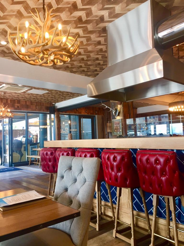 Antler-Alpine-Bar-restaurant-interior